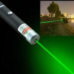 Green Laser Pointer Lasser Sangat Terang Warna Hijau + 2 Batere AAA